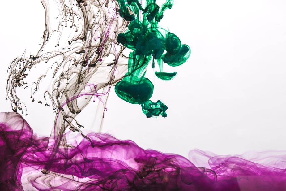 purple-ink-with-green-and-black-drops_925x